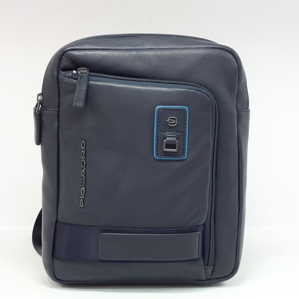 Geanta crossbody Piquadro port iPad din piele naturala CA1816W103/BLU