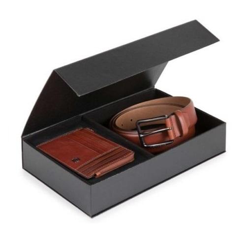 Set cadou PIQUADRO, curea din piele 3,5cm/125cm si portcard cu sistem RFID CUBOX09B3R/TM